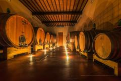Le-Chai-de-Bagnaia- en Toscane (Gilles Bourdreux Photographie) Tags: europe italie toscane tuscany toscana lights vin vino orcia chai cave lumires agriturismo travel voyage