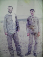 خانواده مرحوم احمد اثنی عشری  در جبهه های جنگ عراق علیه ایران (محمدحسیناثنیعشری) Tags: خانواده مرحوم احمد اثنی عشری در جبهه های جنگ عراق علیه ایران
