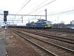 2605  Antwerpen - Oost  27.03.09 (w. + h. brutzer) Tags: digital train nikon 26 eisenbahn railway zug trains locomotive belgien lokomotive elok eisenbahnen sncb eloks webru antwerpenoost