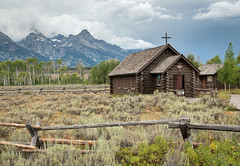 Chapel of the Transfiguration (Christopher Lane Photography) Tags: trip family vacation sky horse mountains hot west water beautiful landscape fun waterfall amazing buffalo cabin scenery cowboy rocks colorful unitedstates hiking gorgeous awesome oldfaithful trails chapel falls jackson lodge riding steak western fields wyoming peaks teton tetons bison moran range horseback jacksonhole hotsprings geysers chapelofthetransfiguration