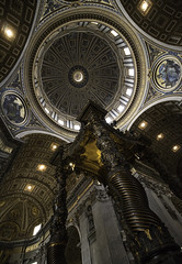 San Pietro - Baldacchino Bernini (DgamesFlickr) Tags: italy vatican rome roma san italia vaticano canopy bernini baldacchino pietro berninis