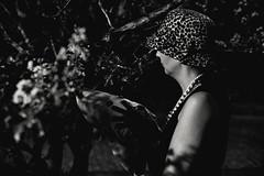 Noir (Cadu Dias) Tags: 50 50mm 18 grain noir yn 560 portrait nikon df nikondf pb bn bw preto branco brazil brazilian brasil cadu dias cadudias cadupdias day film filmnoir grão woman girl mulher prime lens retrato monochrome people ritratti monocromático sattler vintage retro simone