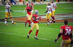#SanFrancisco49ers vs #WashingtonRedskins Sunday November 23, 2014 (Σταύρος) Tags: game football nikon nfl sanfrancisco49ers 49ers sunny santaclara 51 fans footballfield posh expensive 70300mm 36 sportsaction 74 crowds redskins 56 nfc footballplayers niners staley grassfield footballstadium washingtonredskins 9ers fortyniners nfcwest livegame d700 fútbolamericano ninernation nikond700