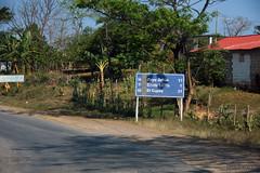 The road to the beach (-AX-) Tags: cuba route pancarte minasdematahambre