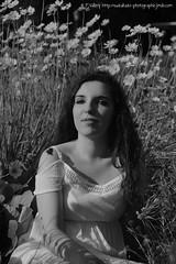 DSC_1322+ (SuzuKaze-photographie) Tags: portrait bw woman france lyon bokeh femme nb shooting dor parc swirly tte suzukazephotographie