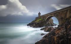 Sous le Petit Minou (Breizh) (Mathulak) Tags: lighthouse bretagne breizh d750 phare minou petit tourtan petitminou