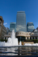 The Cut to the Thames August 2016 (19 of 42) (johnlinford) Tags: canarywharf canon canonefs1022 canoneos7d docklands fountain fountains london reflection reflections uk urban landscape