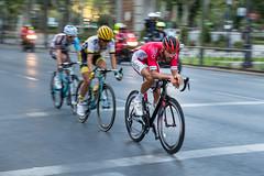 La escapada (chuscordeiro) Tags: escapada ciclismo deporte espaa vuelta ciclista madrid bicicleta barrido panning concentracion esfuerzo sport cycling luz canon 1dxmarkii 70200 canonista maillot