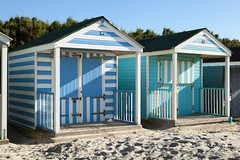 Beach huts | West Wittering beach | October 2016-1 (Paul Dykes) Tags: westwittering beach coast coastal seaside uk england beachhuts sand stripes blue white