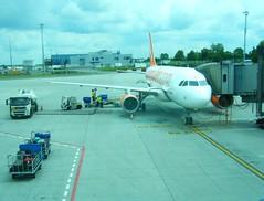 easyJet Airbus A319 (johnzebedee) Tags: transport aircraft publictransport airport prague czechrepublic johnzebedee