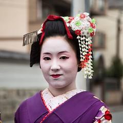 Maiko. Kyoto (Igorza76) Tags: city portrait japan kyoto artist retrato makeup maiko geiko geisha ten  nippon kimono kioto prefecture kansai shrines region cho thousand nihon artista maquillaje japn higashi honshu  japonia kyto  shoseien geigi kytoshi meaco shosei tamamizu perfectura keihanshin higashitamamizucho