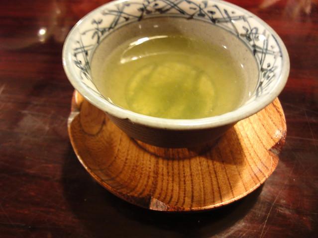 えーっと、お茶です。|銀風亭