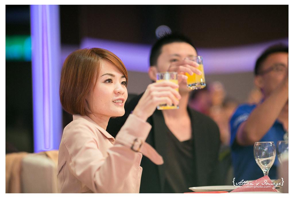 智昱 & 怡婷 晚宴側拍 // 高雄雅悅會館