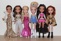 New Bratz Lot 20/12/14! Please help me ID the two Cloe dolls (BratzCollector) Tags: