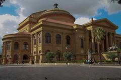 Palermo (Alberto Panizzolo) Tags: sky people clouds italia monumento alberto persons palermo sicilia isola panizzolo