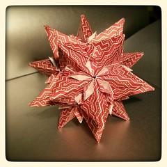 Kusudama star (diana.zx00) Tags: star origami paperfolding modularorigami kusudama tomokofuse unitorigami