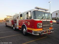 Philadelphia Fire Department Ladder 9 (GhostStationPA86) Tags: philadelphia unitedstates pennsylvania ladder feuerwehr bomberos firedepartment brandweer tiller spartan firebrigade bombeiros lti