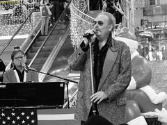 Ty Tender (Klingsi92) Tags: christmas weihnachten linz concert musiker live band event shoppingcenter konzert 2014 pasching einkaufszentrum pluscity tytender