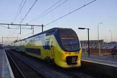 NS VIRM-IV treinstel met nummer 9556 in station Elst 17-01-2015 (marcelwijers) Tags: dutch station de ns eisenbahn railway met chemin fer spoorwegen 9556 hollande nederlandse elst railraod nummer treinstel virmiv staatsbahnen niederlandische 17012015
