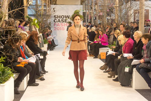 SONIA REYNOLDS PRESENTS HER SELECTION OF THE BEST OF IRISH FASHION- REF-101367