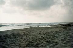 Sabaudia - giugno 2015 (laura.effe) Tags: sea summer sky water clouds sand nuvole mare estate blu dune nostalgia cielo acqua lungomare grado paesaggio lido sabbia pontile sabaudia litorale pescatori bagnasciuga