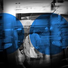 Blue Line (k.james) Tags: door travel chicago window train subway square cta publictransit publictransportation blueline platform jackson safety instructions chicagoloop publicsafety chicagotransitauthority chicagotransit kenthenderson subwayplatform standclearofthedoors kjameshenderson mantngasealejadodelapuerta