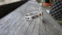 Sterling Silver Flower Ring with Amethyst gemstone (Scott Sterbenz) Tags: flower jewelry ring amethyst originaldesign sterlingsilver nopowertools handengraved handmadejewelryinsanfrancisco copyright2016scottsterbenz