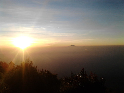 "Pengembaraan Sakuntala ank 26 Merbabu & Merapi 2014 • <a style=""font-size:0.8em;"" href=""http://www.flickr.com/photos/24767572@N00/26888551160/"" target=""_blank"">View on Flickr</a>"