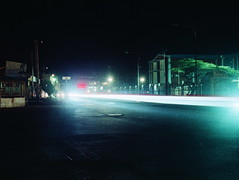 Calle. (Gabriel Plcs) Tags: longexposure canonav1 southamerica night venezuela streetphotography 35mmfilm fujifilm expiredfilm filmphotography fd28mm28 xtra400 ruephotographie strasefotografie