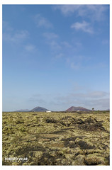 G16-2814 b (ROBERTO VILLAR l FOTOGRAFA) Tags: paisajes naturaleza landscape lava photo postcard lanzarote powershot viajes postal fotografia turismo islas vulcano volcanes islascanarias senderos g16 photobank fotosdelanzarote robydemardel lanzarotephotogrfika imagenesdelanzarote