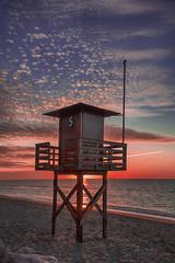 Los vigilantes de la playa (kinojam) Tags: beach sunrise canon kino alba 5 five playa amanecer cinco caseta canon6d kinojam