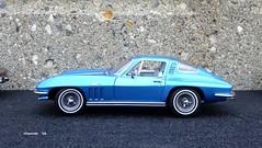 1965 Chevrolet Corvette Sting Ray Sport Coupe (JCarnutz) Tags: chevrolet stingray corvette 1965 diecast 124scale danburymint sportcoupe