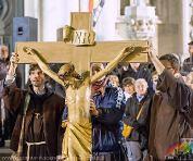 1401c51cf8-Foto-Via crucis-crucis-10