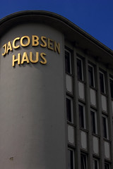 Jacobsenhaus (02) (Rdiger Stehn) Tags: germany deutschland europa stadt architektur bauwerk gebude kiel fassade schleswigholstein 2000s norddeutschland 2016 mitteleuropa profanbau 2000er holstenstrase jacobsenhaus canoneos550d kielaltstadt