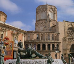 Valencia Cathedral (LakeRidge Photography) Tags: valencia spain basilica assumption lady fountain sculpture placa plaza virgen turia door apostles