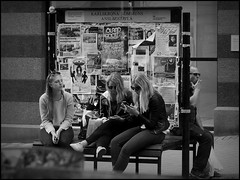 Karlskrona (S) - 2016/07/04 (Geert Haelterman) Tags: blackandwhite white black monochrome sweden candid streetphotography olympus zwart wit geert karlskrona streetshot zweden svenska photoderue straatfotografie photographiederue fotografadecalle strassenfotografie fotografiadistrada haelterman omdem10
