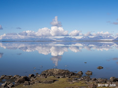 Espejo Hfn (P8062142_1280) (dr_cooke) Tags: islandia iceland hfn stokksnes lagoon mar cristal espejo mirror clouds nubes seaguls birds pjaros gaviotas mountains montaas cliffs rocks rocas
