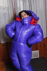 Down suit 1 (runkel4712) Tags: indoor hood big downsuit