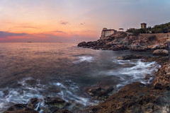 Guardian of the Sea (Mat Viv) Tags: canon canon760d canont6s 760d t6s canoneos760d canoneost6s samyang samyanglens panorama panoramic view sea water longexposure wideangle landscape seascape castle travel italy tuscany livorno calafuria outdoors sun sunset sunlight dusk twilight evening openwater horizon