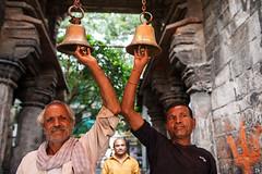 Temple Bells - Ujjain, India (Maciej Dakowicz) Tags: india ujjain city hindu religion temple bells ringing ceremony
