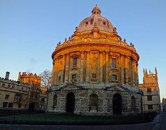 Winter Dawn in Oxford (Andy Latt) Tags: winter light dawn oxford finepix fujifilm oxforduniversity 0031 andylatt hs20exr
