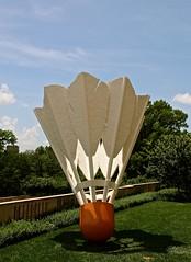Shuttlecock (Abby L's) Tags: sky sculpture art grass shuttlecock nelsonatkinsmuseumofart kansascitymo donaldjhallsculpturepark