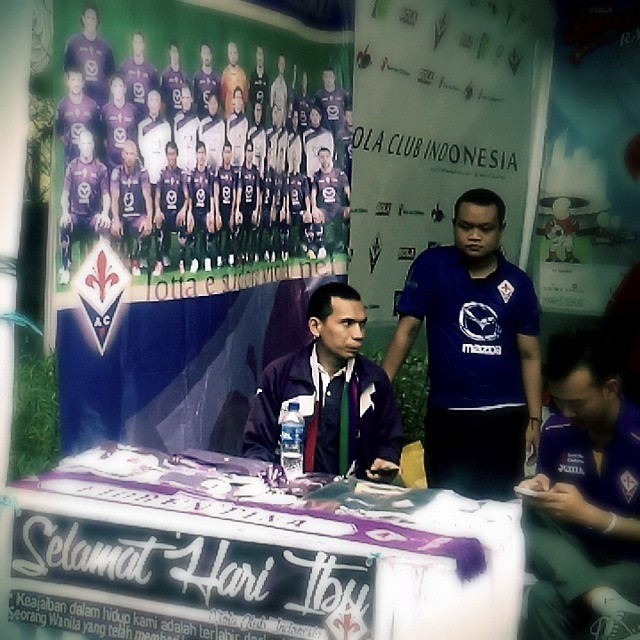 Lokasi Nobar: Booth Fiorentina Viola Club Indonesia @ViolaClubINA di #SportsRace2014 bareng @bolanewscom @tabloidbola @gandariacity