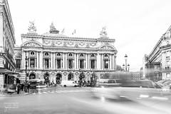 Palais Garnier, Place de l'Opera (josefrancisco.salgado) Tags: longexposure bw paris france blancoynegro monochrome blackwhite nikon europa europe ledefrance motionblur grayscale nikkor fr palaisgarnier d4 exposicinlarga placedelopera 2470mmf28g