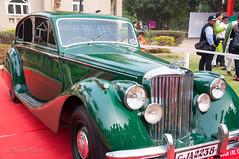Jaguar 1949 Mark V.jpg (NP Photo2010) Tags: india cars colors vintage iso200 nikon asia sunny jaguar shape gujarat vadodara 2015 d90 manualexposure 1801050mmf3556 jaguar1949markv westernindiaclassiccars