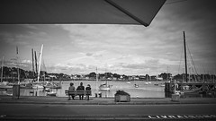 (thierrylothon) Tags: france monochrome flickr fuji bretagne paysage fr morbihan publication repos noirblanc personnage c1pro captureonepro latrinitsurmer phaseone activit streetphotogrraphy wclx100 fujix100t fluxapple