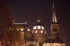 Aachener Dom (tim.bartikowski) Tags: la dom aachen bmw karl kaiser chapelle aken aix penner i8 nobis printen armut bettler