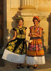 Sunset Women Oaxaca Mexico (Ilhuicamina) Tags: people women sunsets mexican oaxacan tehuanas zapotecas