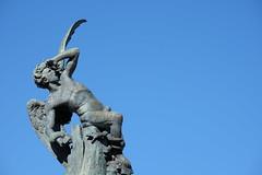 Fallen angel (Maria_Lo) Tags: madrid spain fallenangel devil diablo retiro angelcaido
