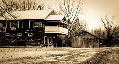 Carter's Mill General Store (circa. 1985) (Bob G. Bell) Tags: kentucky generalstore vintagephotograph symsonia cartersmill